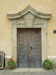 Doorway, Kutna Hora, CZ (rochpaul5) Tags: door plant architecture gate closed open lock portal geranium entry latch