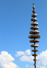 Wooden Discs (Scott Slater Photography) Tags: wood sculpture cloud sun lake mountains alps art car canon see wooden am artwork view panoramas cable pole glorious gliding zellamsee slope discs zell viewingplatform schmittenhohe 650d canon650d moiuntainrange