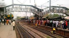 Rush at Sonarpur Junction (near Kolkata) for Primary Teachers' Exam (abhirupsen_haldia) Tags: india westbengal indianrailways sonarpur