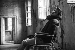 Il Matto (Martin Sfondrini) Tags: macro water madness horror acqua luce manicomio buio vetri riflesso distrutto rotti paura terrore depressione distruzione fantasmi mombello manicomi