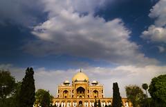 Humanyu's Tomb (Aman Arra) Tags: travel blue sky india building beautiful clouds big nikon asia delhi tomb d5100 humanyus