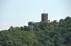 Lahneck Castle (nrparsons) Tags: building castle architecture river germany town riverside sigma medieval structure german riverfront riverbank rhine 18200 burg mediaeval lahnstein middlerhine lahneck oberlahnstein