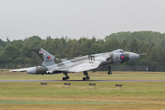 Avro Vulcan B-2 XH558 landing for her last ever visit to RIAT (njjarvis) Tags: canon airplane eos display aircraft flight jet sigma os aeroplane airshow vulcan bomber iconic dg arrivals avro fairford riat royalinternationalairtattoo 2015 xh558 f4556 hsm 60d gvlcn finalappearance 120400mm vulcantotheskiestrust