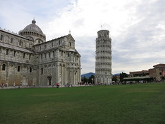 Piazza dei Miracoli (Rick Payette) Tags: italy pisa s110