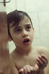 (Jos Mauricio Garijo) Tags: gua kids children kid banho