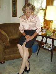 Laurette Victoria (Laurette Victoria) Tags: wisconsin blouse milwaukee heels laurette pencilskirt laurettevictoria