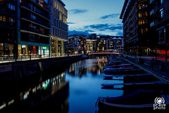 Boat parking (andrea.prave) Tags: city light luz oslo norway night boat norge nacht lumière parking barche notte luce norvegia parcheggio 光 ночь 夜 свет barchette ليل ضوء pravettoni visitoslo andreapravettoni ਹਲਕਾ andreaprave