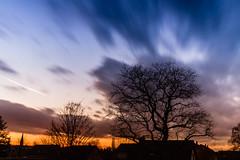 Wilder Himmel (ribehrend) Tags: winter sonnenuntergang jahreszeiten natur himmel dmmerung landschaft ndfilter fototechnik lichtsituation