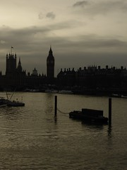 Westminster (leavesandpuddles) Tags: westminster thames dusk bigben southbank waterloo riverthames embankment biancoenero palaceofwestminster valette blancetnoir schwarzundweiss