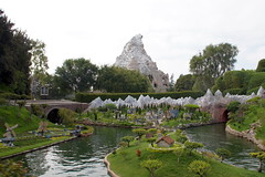 Storybook Land Canal Boats in Disneyland (GMLSKIS) Tags: disneyland disney amusementpark storybooklandcanalboats california matterhorn anaheim