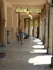 P1130789 (Swassermatrose) Tags: door italien italy italia outdoor architektur tor tr italie oldcity portico padova padua veneto 2015 venetien