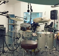 Reslo - Blackstar Recording Studio session with Valerio Mina (Reslosound) Tags: reslo reslosound ribbonmicrophone ribbonmic microphone analogue vintage studio tape recording blackstarrecordingstudio milano milan italy stc4038 sennheiser akg shure yamaha drumkit drums drumrecording
