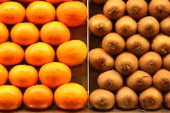 Barcelone - April 2013 (ciegalo) Tags: barcelona city orange fruits spain kiwi cataluna