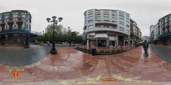 Panoramica de Woody Allen en la Calle Milicias Nacionales de Oviedo, Asturias, España. (RAYPORRES) Tags: españa monumento esculturas panoramica panoramicas estatuas monumentos mayo 360x180 woodyallen callemiliciasnacionales equirectangular 2013 immersiva