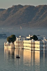 Udaipur - Lake Palace Morning (zorro1945) Tags: morning india white lake boat morninglight asia relection lakepalace rajasthan udaipur morningmist lakepichola flickrtravelaward