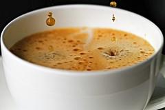 """The last drops for a good coffee"" (Rondlarg Photos - back again) Tags: macro cup tasse coffee drops kaffee makro crema senseo tropfen kaffepadmaschine coffeepadmachine coffeepodmaschine"