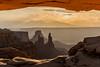 Mesa Arch (Tōn) Tags: morning nature clouds sunrise landscape utah arch unitedstates desert canyonlands mesaarch tonyvanlecom