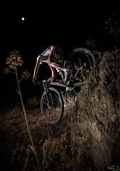 El escaln (Prad0) Tags: bike arena mtb tb seleccionar strobist maraosa