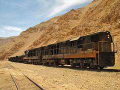 Ferronor, Estación Montandón. (DeutzHumslet) Tags: chile train canon gm desert atacama desierto 412 sx20 408 potrerillos emd montandon gr12 ferronor