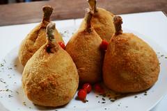 Coxinha de Galinha (ossadah) Tags: original hotdog onion budweiser fogo brahma boteco coxinha cachaa chopp frutosdomar petisco churrasquinho acaraje natalicio