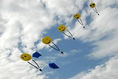 Festival de l'Air Frejus 2013 (alainGB) Tags: sky france smile festival nikon paca d200 nikkor francia franca 83 var dx esterel frejus cerfsvolants saintraphael nikondx nikond200 83700 francelandscapes 18200vrdx 83600