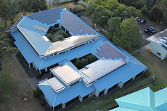 CFHT HQ New Roofline (TomBenedict) Tags: roof usa kite canada france green canon hawaii solar energy aerial observatory telescope astronomy kap pv renewable kamuela brooxes cfht bbkk t2i