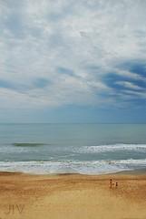 Tres (Tachameladoble (instagram.com/juanignaciovidela)) Tags: sea sky people costa 3 beach argentina mar buenosaires gente playa arena cielo tres mardelplata bsas mdq mdp costaatlantica jiv playaserena juanignaciovidela