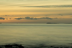 The Mull of Galloway (jillyspoon) Tags: sunset sea sky beach nature water canon scotland dusk galloway irishsea dumfriesandgalloway machars monreith mullofgalloway wigtownshire 60d canon60d southwestscotland vision:sunset=084 vision:clouds=0