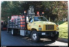 "GMC C6500 ""AnnSeal"" (uslovig) Tags: road new york usa ny west truck construction general c motors company lorry camion motor 16 amerika gmc henrietta lastwagen lkw lastkraftwagen 6500 annseal"