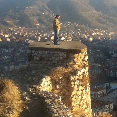 #tokat #kale ucunda bir Adam #ersin #karadeniz #travel #gezi #seyahat #trip #toad #vertical #castle