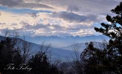 Panorama da Santa Vittoria (vitafabrizio59) Tags: panorama alberi montagne nikon italia campagna marche colline foschia paesi nikond5000