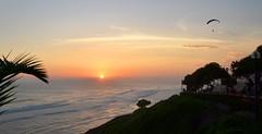 puesta del sol en el Pacfico (payorivero) Tags: ocean sunset sol peru atardecer mar nikon pacific lima pacifico oceano nikond3100