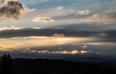 coucher de soleil et parhélie - Drôme (zabou256 aussi sur Ipernity) Tags: soleil sun coucherdesoleil sunset parhélie parhelion