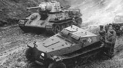 Beute T-34 and SdKfz 253. (Krueger Waffen) Tags: history war tank military thirdreich wwii armor ww2 armour armored tanks panzer halftrack secondworldwar afv worldwartwo armoredvehicle warfare armoured armoredcar wehrmacht t34 sdkfz pzkpfw tanksofthesecondworldwar sdkfz253