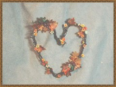 "GRAPEVINE ""HEART"" WREATH (minteriorsbyjessie) Tags: autumn miniatures country wreaths grapevine dollhouses"