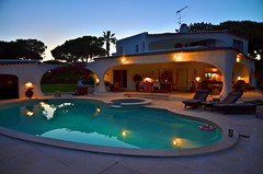 Casa Poopa (Rum Bucolic Ape) Tags: holiday portugal pool evening relaxing swimmingpool bluehour algarve chillingout destressing