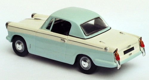 Herald coupe blauw-wit rear