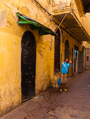 Co-ordinated wall and sandals (dave-hall) Tags: morocco flipflops medina tangier