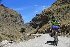 Climbing to Abra Llamaorgo