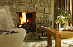woodland_villa_fireplace