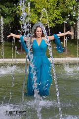 Davinia (jlhuys farfan) Tags: girl azul model agua chica fuente modelo rubia vestido davinia farfan trajedefiesta