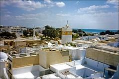 Coup d'oeil dans le Rtro !! :( (GK Sens-Yonne) Tags: mer minaret terrasse hammamet tunisie mosque toits mditerrane