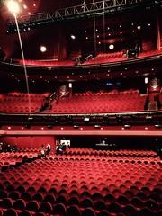 Madrid's Theatre (Ripley1969) Tags: theatre teatro platea stalls dress circle mezzanine palco box rear anfiteatro rojo red velvet terciopelo madrid españa spain gran vía musical mamma mia estreno opening night noche