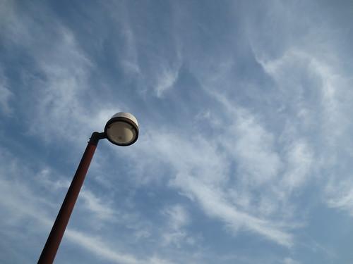 空を照らす外灯