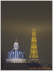 un_soir__paris_(1) (Queen Breaca (on ipernity)) Tags: winter paris france fog evening abend frankreich nebel toureiffel soir eiffelturm fujifinepixs100fs queenbreaca