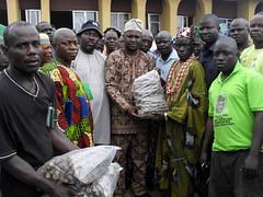 Chiefs and farmers receive improved cassava stems (IITA Image Library) Tags: usaid nigeria cassava iita manihotesculenta improvedvarieties cassavastems