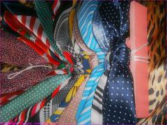 04TC_Scarves_Knotting_Fun_(8)_2560x1920_8120054_sizedFlickR (terence14141414) Tags: scarf silk bondage rope foulard knots soie nylonrope esarp knottingfun
