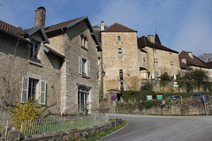Baume-les-Messieurs (twiga_swala) Tags: france architecture french village jura franchecomté baume vernaculaire baumelesmessieurs comté franche lesplusbeauxvillagesdefrance venacular messieurs reculée plusbeauxvillagesdefrance