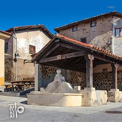 Tineo (caminosasturias) Tags: santiago espaa saint way de james spain camino para fuente asturias stages enjoy tineo pilgrim peregrino apostol primitivo apostle jacobeo disfrutar etapas