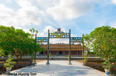 _DSC0830.jpg (womofa) Tags: old city travel roof building tower castle art heritage history tourism monument statue metal urn stone wall architecture bronze asian site amazing ancient gate asia southeastasia vietnamese dragon antique citadel flag famous capital sightseeing central entrance style landmark palace unesco vietnam forbidden restore huge imperial destination historical pavilion restoration aging ding hue dynasty emperor indochina